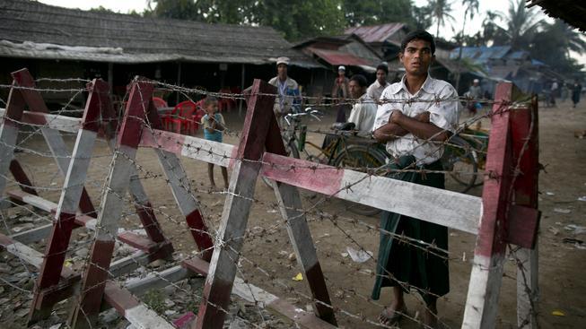 Rohingyové jsou v Barmě drženi v novodobých koncentračních táborech