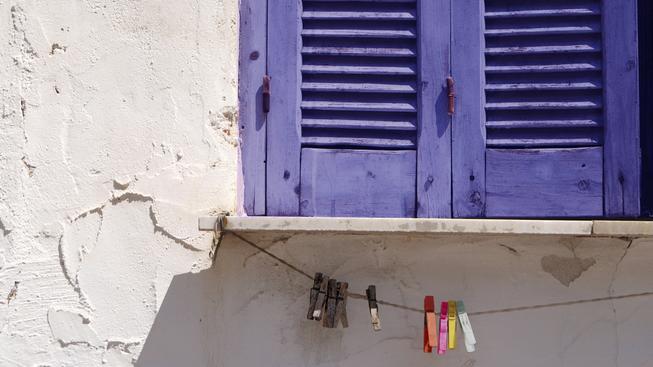 zavřené okno, okenice