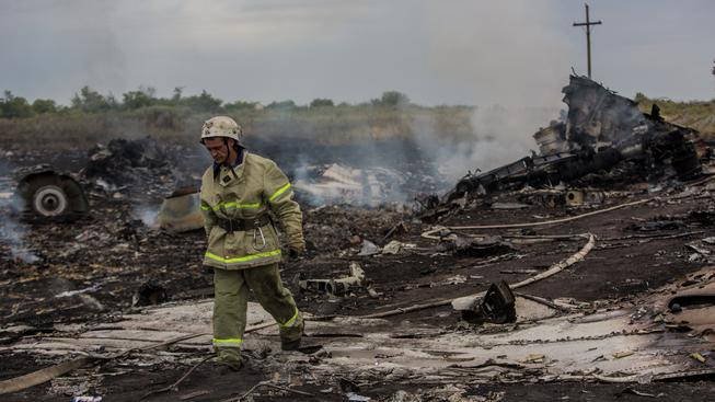 Trosky malajsijského Boeingu 777, který se zřítil na východě Ukrajiny