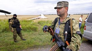 Proruští separatisté na místě nehody Boeingu 777