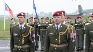 Vojenská pocta mrtvému vojákovi
