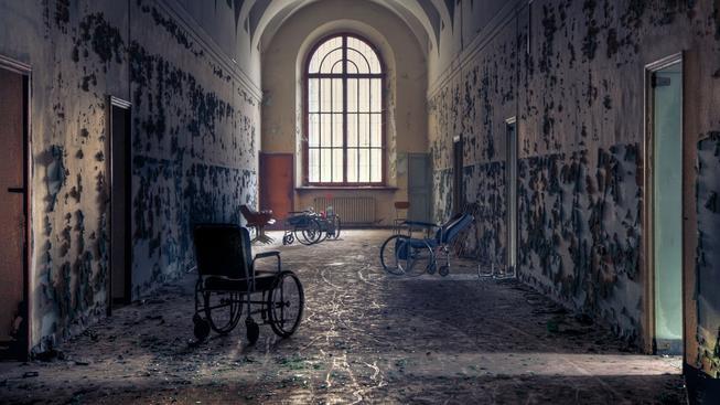 opuštěná nemocnice