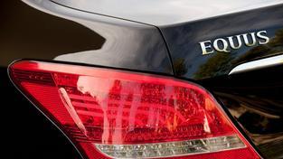 Zadní světla vozu Hyundai Equus