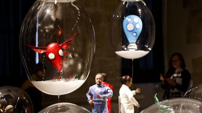 Exponáty na pražské výstavě Tima Burtona