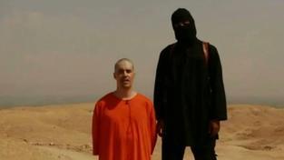 Vrah Jamese Foleyho je britského původu