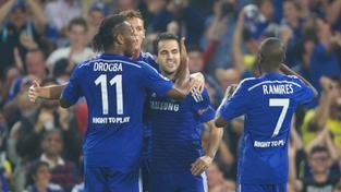 Hráči Chelsea slaví gól