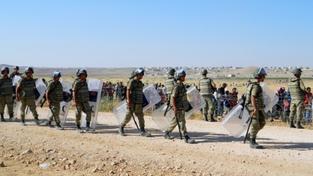 Turečtí vojáci na hranicích se Sýrií