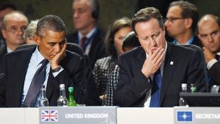 Americký prezident Barack Obama a britský premiér David Cameron na aliančním summitu ve Walesu