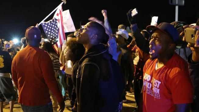 Ve Fergusonu opět začaly nepokoje