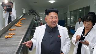 Kim Čong-Un na prohlídce Severokorejské továrny