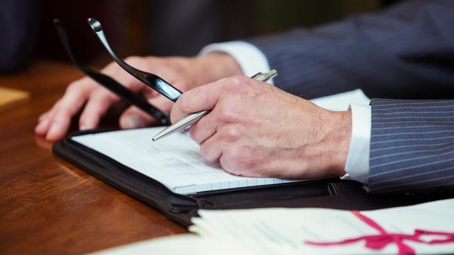 Podle průzkumu společností Otidea a Transparency International se s manipulací se zakázkami setkalo 86 % tuzemských úředníků.