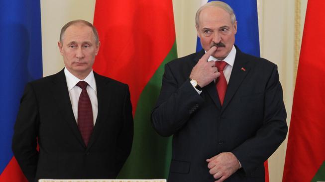 Ruský 'papíček Putin' a jeho běloruský kolega 'strejda Saša'