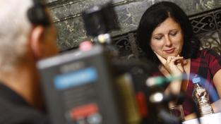 Z Jourové se díky funkci eurokomisařky stane milionářka