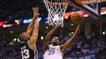 NBA začne bez největší hvězdy minulé sezony. Durant si zlomil nohu