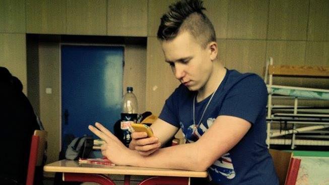 Student Petr, který zemřel, když bránil spolužačku před šílenou útočnicí