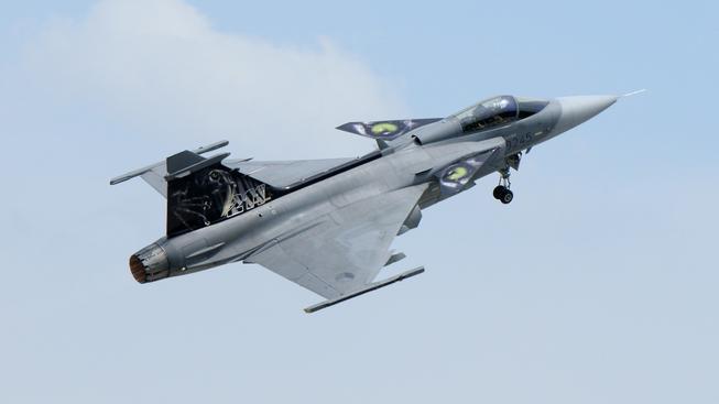 Na Island česká armáda vyslala stíhačky Jas 39-Gripen