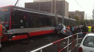 Snímek dramatické nehody na Žižkově zveřejnila na facebookovém účtu rádia City 93,7 FM uživatelka Markéta Škrabková