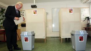 Miloš Zeman míní, že v senátních volbách rozhoduje spíše osobnost kandidáta.