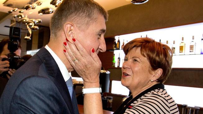 Nová senátorka Zuzana Baudyšová se stranickým lídrem Babišem