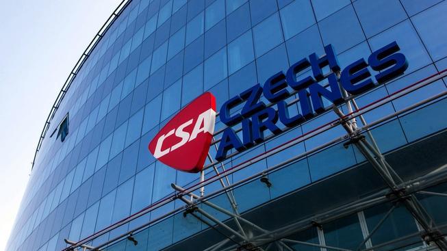 Vedení ČSA začalo rozdávat výpovědi. Restrukturalizaci spočívající ve snižování mezd a v masivním propouštění ve středu podpořil jejich menšinový vlastník, Korean Air.