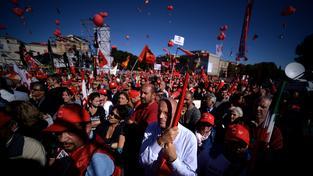 Římskou demonstraci proti reformně pracovního trhu svolaly italské odbory