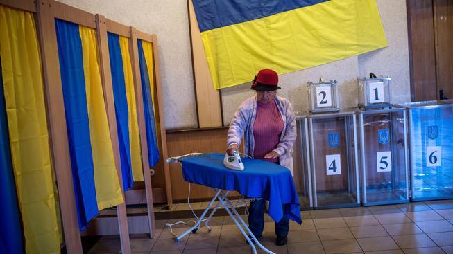 Na Ukrajině se konají historické předčasné volby