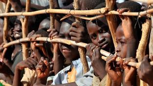 Děti v uprchlickém táboře v Jižním Súdánu, které se narodily bez státního příslušenství