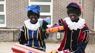 Černý Petr (Zwarte Piet) je v Nizozemsku tradiční folklórní postavičkou