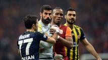 Fotbalisté musí shodit plnovousy. Nejsme v islámské škole, nařídil šéf