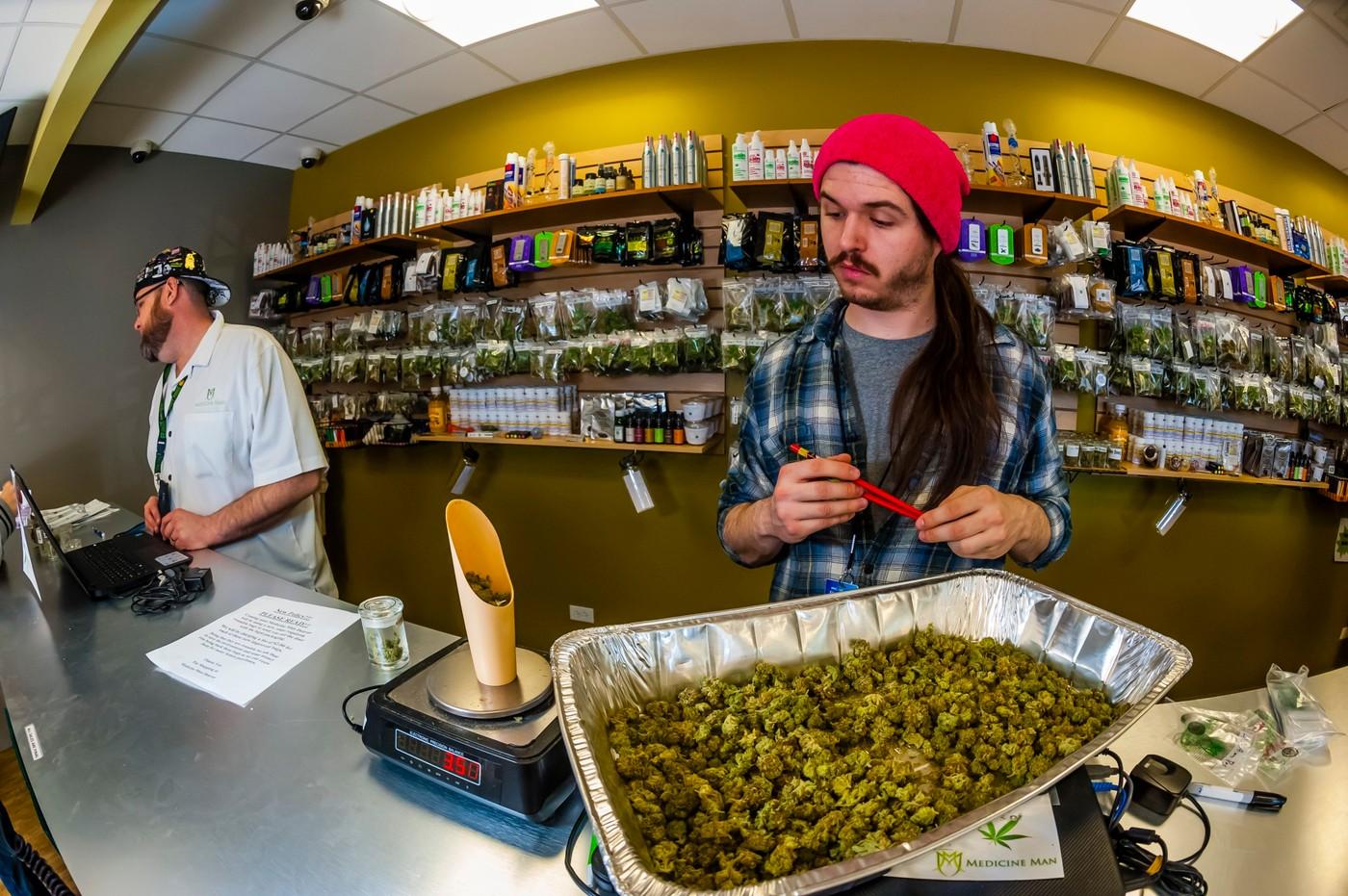Ke Dni díkuvzdání pořádají v Coloradu výprodej marihuany
