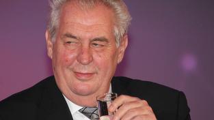 """Miloš Zeman nazval Zdeňka Bakalu """"zbytečným kamenem na stoupající cestě českého podnikání""""."""