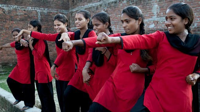 Indické dívky se musí učit sebeobraně, počet znásilnění v Indii je mimořádně vysoký