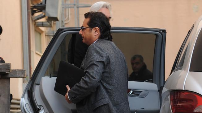 Kapitán ztroskotané lodi Costa Concordia dorazil dnes k soudu v italském Grossetu klidný. Věří, že porotu přesvědčí o své nevině.