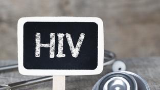 Mužská obřízka údajně snižuje riziko nákazy virem HIV