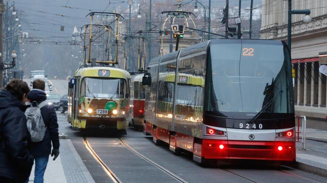 Námraza a ledovka způsobily v Česku několikadenní komplikace zejména v dopravě