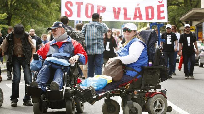 Odboráři v minulosti mnohokrát protestovali. Na snímku protivládní demonstrace z roku 2012