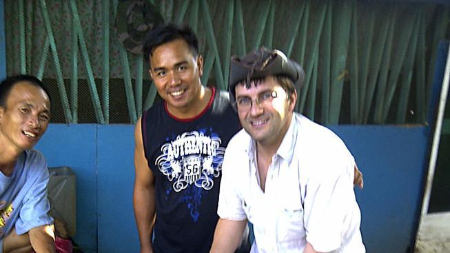 Švýcarský ornitolog Lorenzo Vinciguerra na Filipínách, jak byl zachycen krátce před svým únosem