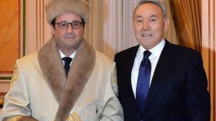 Francouzský prezident Hollande dostal od kazašského protějšku Nazarbajeva pěkný kožich
