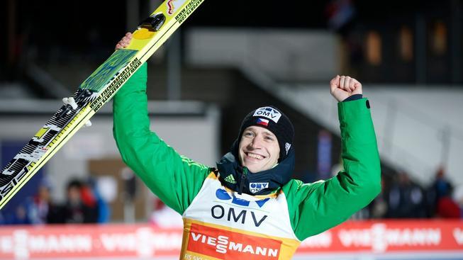 Roman Koudelka se raduje po povedeném skoku během závodu Světového poháru v Lillehammeru