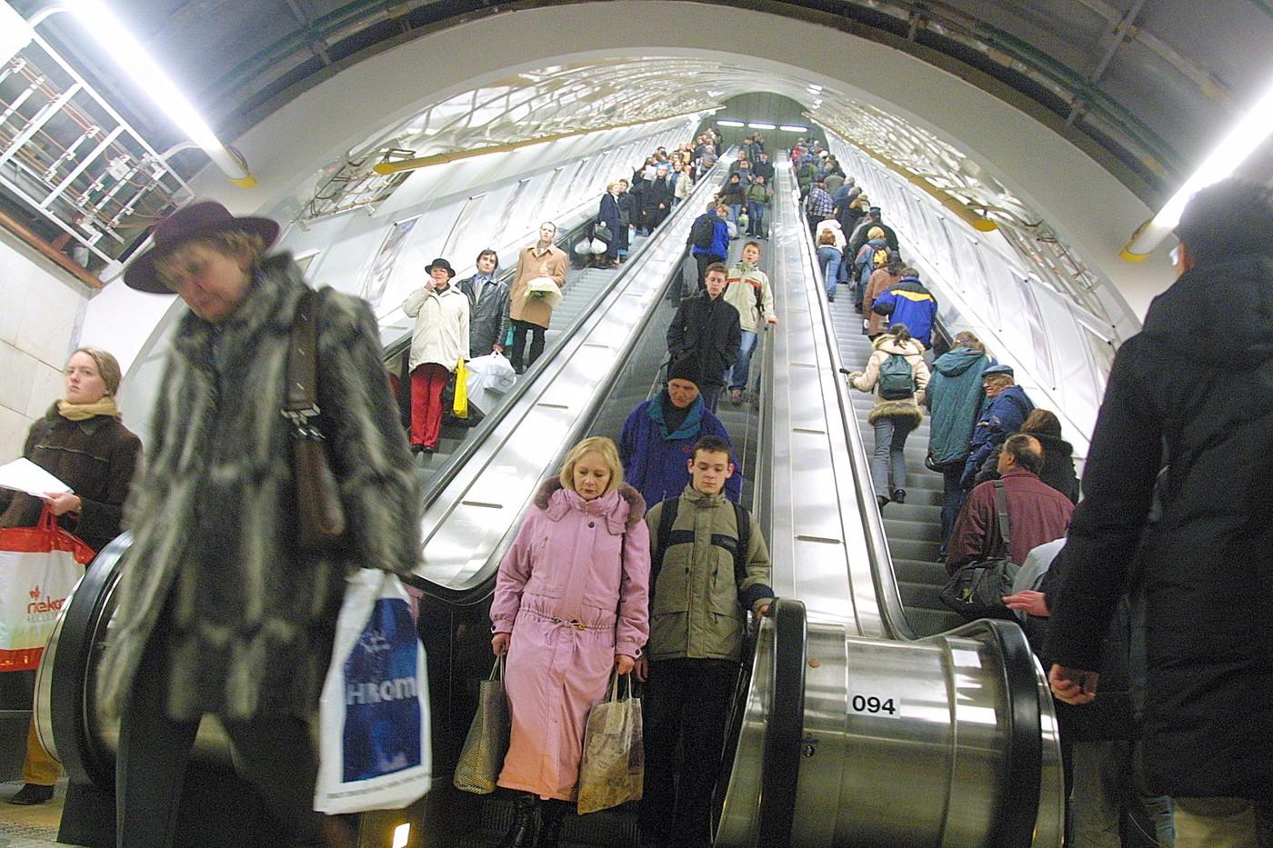 Nebezpečnou vadu má pět eskalátorů v metru, zůstanou zatím mimo provoz