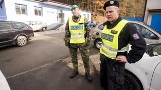 Vybuchující muniční sklad ve Vrběticích hlídají bezpečnostní složky