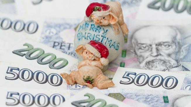 Sobotkova vláda rozdala víc odměn než Rusnokův kabinet, přestože slibovala šetřit. Ilustrační snímek