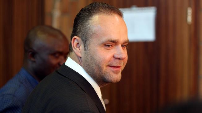 Gangster Radovan Krejčíř před jihoafrickým soudem (na archivním snímkem)