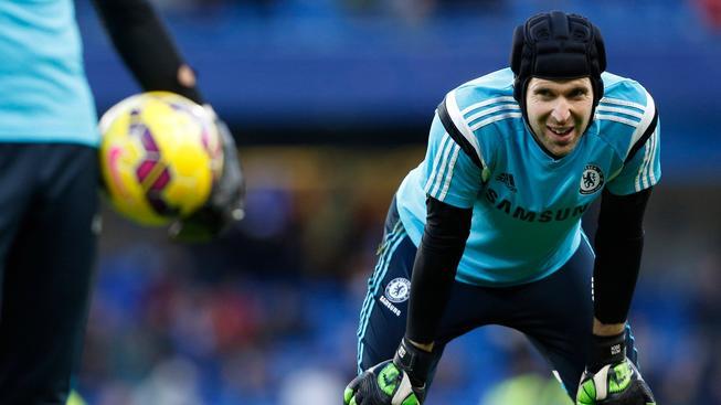 Petr Čech během tréninku v londýnské Chelsea