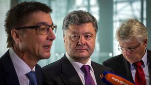 Zesnulý poslanec německého Bundestagu Andreas Schockenhoff (CDU) na archivní snímku s ukrajinským prezidentem Petrem Porošenkem