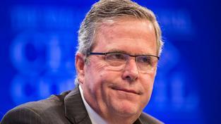 Bývalý guvernér Floridy  a syn a bratr bývalých  prezidentů Jeb Bush