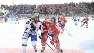 Jediný zápas v Česku pod širým nebem se odehrál v lednu 2011 v Pardubicích