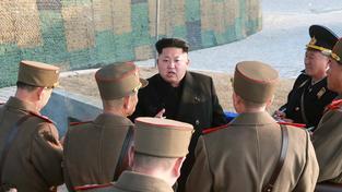 """Severní Korea v čele s Kim Čong-unem chce, aby ji USA zapojily do vyšetřování hackerského útoku na Sony. Jinak to prý USA přinese """"vážné důsledky"""""""