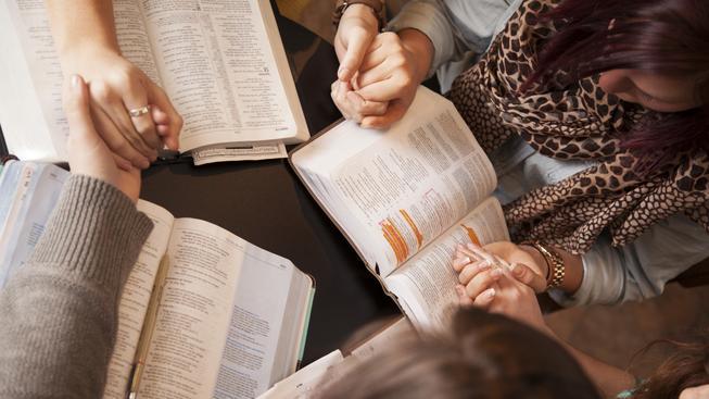 Tisíce mladých křesťanů čekají v Praze modlitby a worshopy