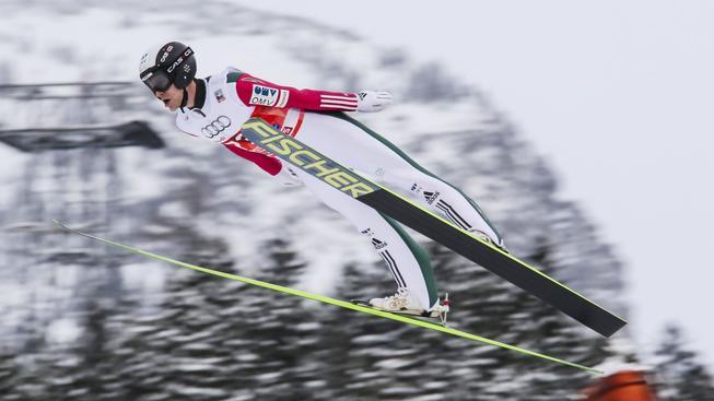 Roman Koudelka při kvalifikaci úvodního závodu Turné v Oberstdorfu